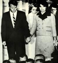 jackie kennedy assassination dress blood - photo #1